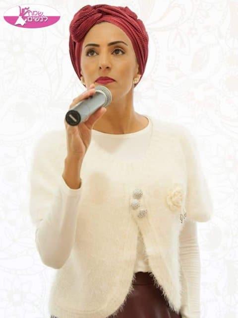 הזמרת החרדית גלית פנקס באירוע בת מצווה מרגש בפתח תקווה. צילום: גלית פנקס