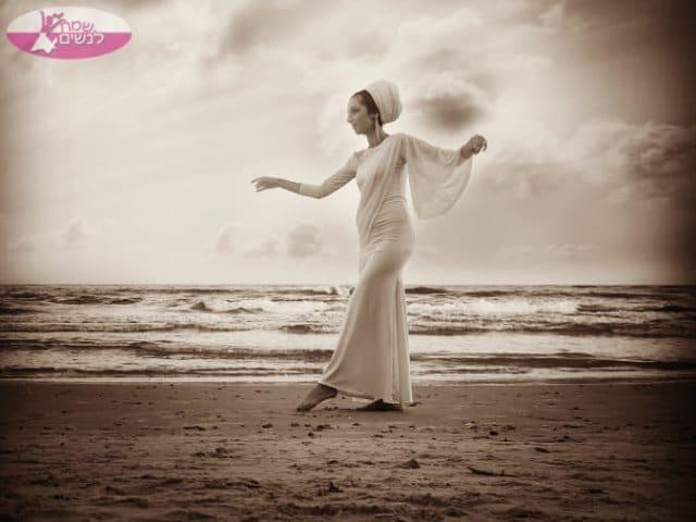 רקדנית בטן לשמחה בכל אירוע. צילום: דניאלה דהן